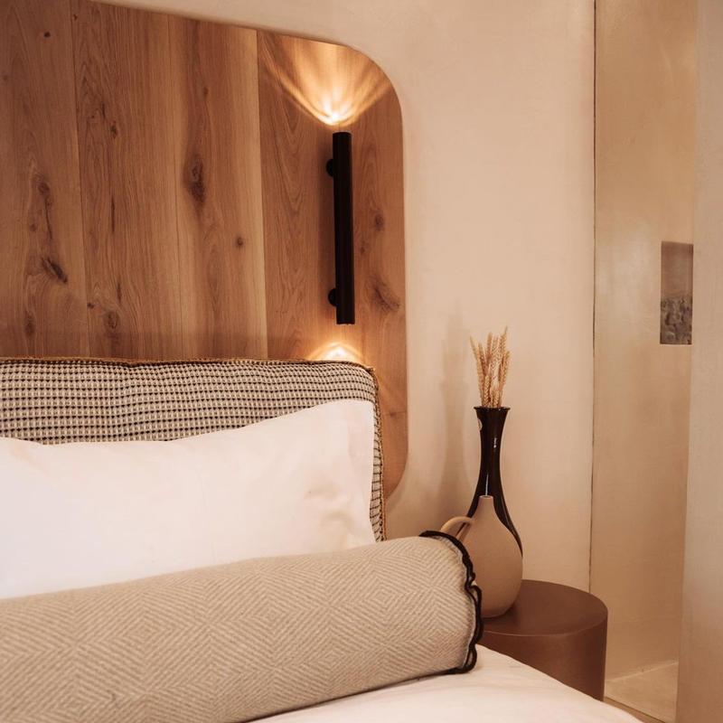 white pebble suites hotel pollonia milos greece