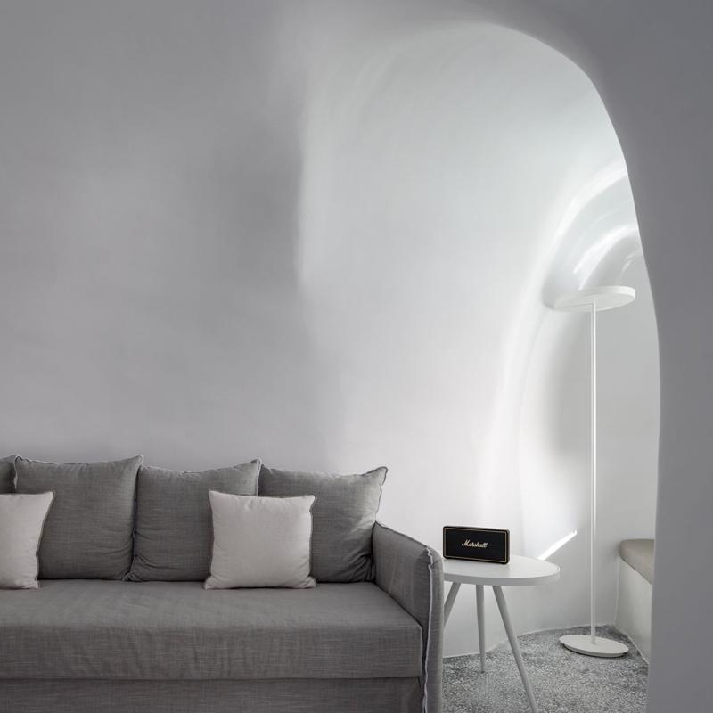 echoes luxury suites hotel oia santorini greece